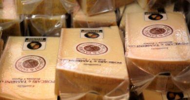 Visita al caseificio del Parmigiano Reggiano di Montagna, un'eccellenza Valtarese da provare